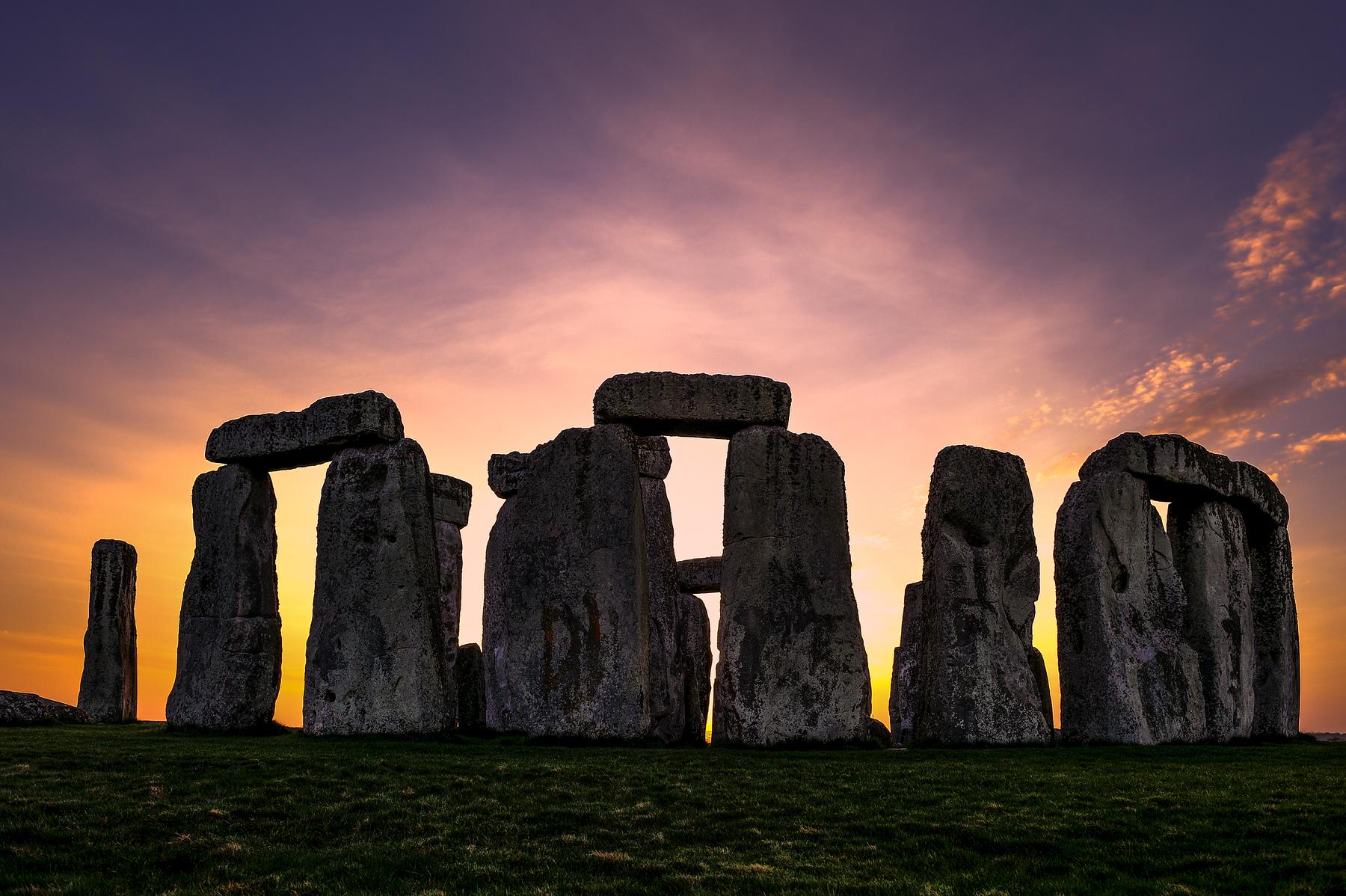 Stonehenge-EH11025